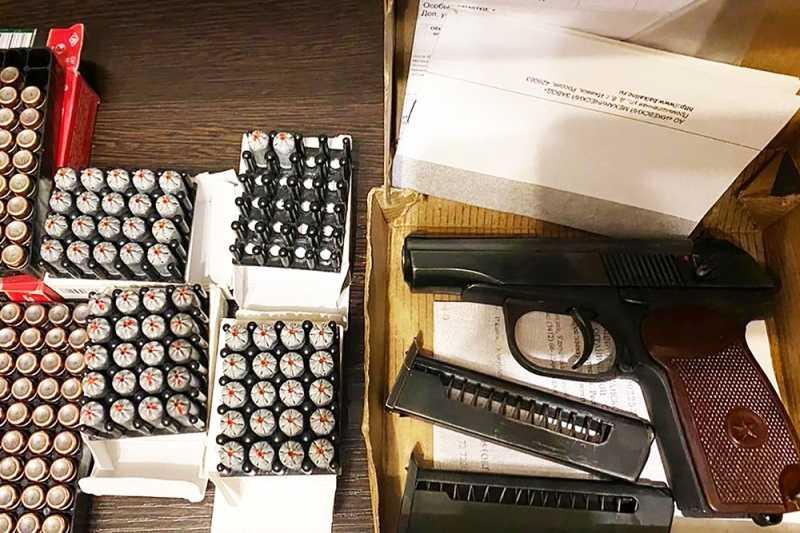 За незаконный оборот оружия и взрывчатки посадят на срок до 20 лет