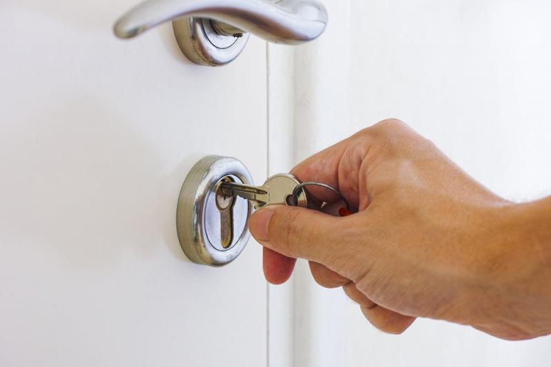 Заключенные смогут запрещать сделки со своим жильем