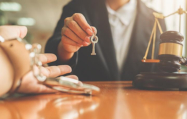 Защита добилась отмены обвинительного приговора и освобождения подсудимой из СИЗО
