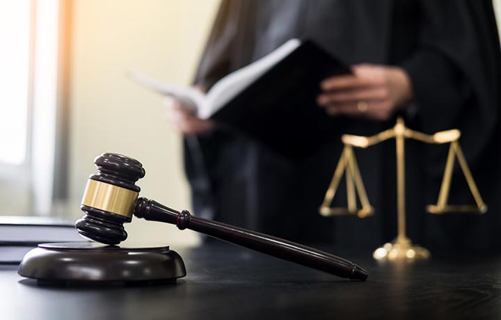 Защита добилась прекращения уголовного дела, воспользовавшись грубой ошибкой следствия